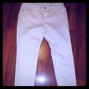 White Old Navy Lightly Distressed Jeans